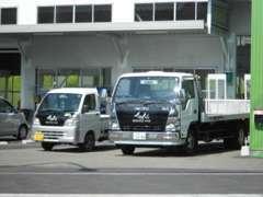 自社で積載車を持っております!納車後の万が一にも柔軟に対応致します!納車も範囲内であれば、自社で行います。