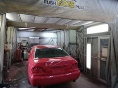 専門的な点検整備から板金塗装まで、何でもご相談下さい。