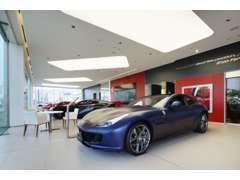 ショールームにて「フェラーリ」の世界観をお楽しみください。