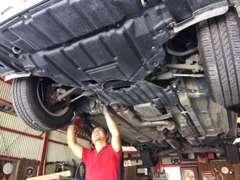 お客様の車はしっかり整備いたします!購入後もお気軽にお立ち寄りください。