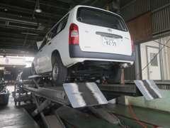 【車検整備】国家資格をもった検査員と整備士が快適ドライビングのために分解整備付車検を実施します。
