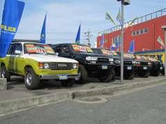 人気の80シリーズ!ガソリン車・ディーゼル車!100系60系なども常時40台以上展示!九州最大のランクル在庫!