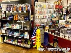 ショールームには洗車用品や小物、パーツ、TOYSなどの商品も販売しております。良質な中古品などお買い得品は早い者勝ちです!