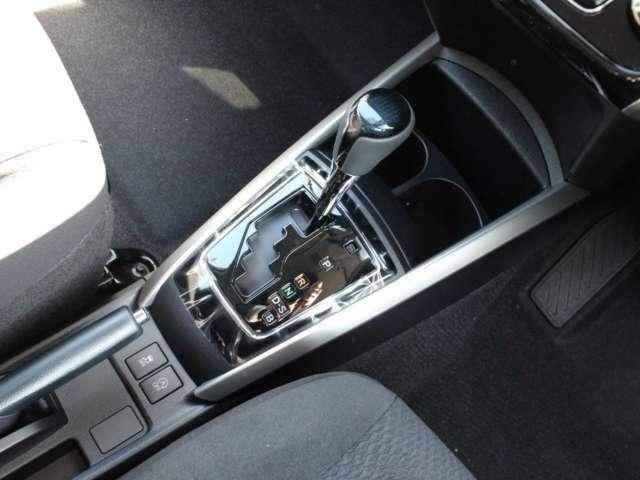 ミッションはCVT(無断変速機)でガソリン車ではありますが燃費向上を図ります。