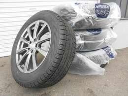 中古冬タイヤの積込もございます♪