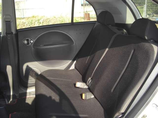 禁煙車・ナビテレビ・ETC・ABS・4速AT・オートエアコン・タイミングチェーン・内外装とても綺麗なお車です。お問い合わせは072-678-3351ガレージサンライズまで。