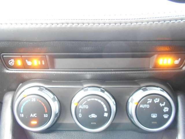 運転席、助手席、ハンドルにもヒーターがついています。寒い時期には嬉しい装備です