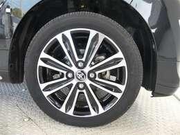 タイヤ4本を新品に交換させて頂きます。。安心してドライブをお楽しみください!