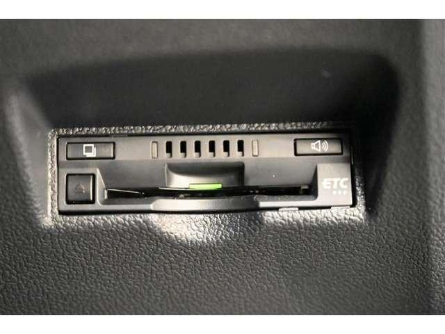 ETC車載器です。 高速・有料道路の料金をキャッシュレス、スムーズに通過できます。