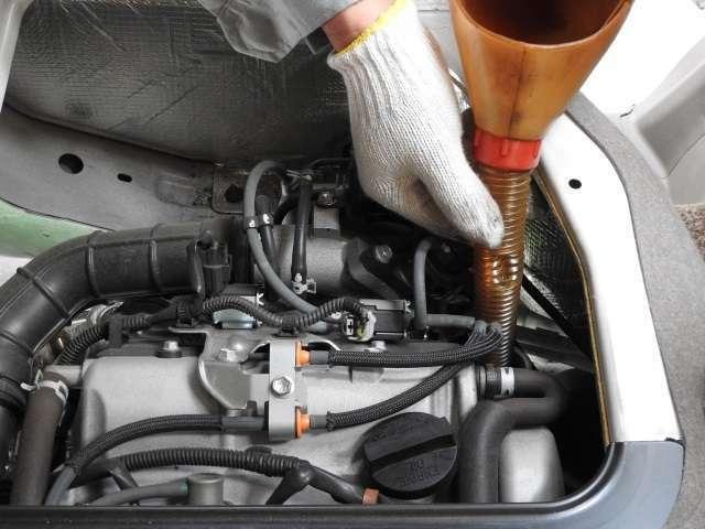 Bプラン画像:エンジンオイル交換いたします。