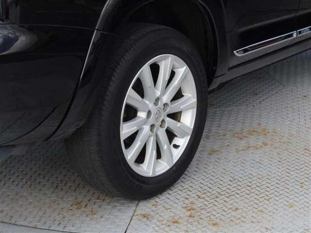 タイヤサイズは235/55R18!納車前の点検時にタイヤ交換させていただきます!