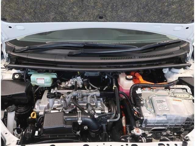 1500ccガソリンエンジン+モーターのハイブリットです。
