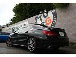 メルセデスの人気セダン! CLA45 4MATICの入庫です!外装にはメーカーオプションカラーとなるコスモスブラックを配色!