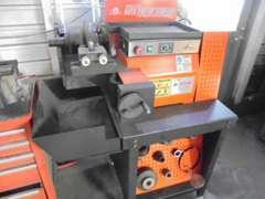 本社工場にはブレーキローター研磨機完備♪ブレーキを踏んだ際のペダルへの振動、パッドの片磨耗が改善。料金3000円から