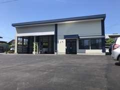 飯山展示場は「しまむら様」横に御座います。