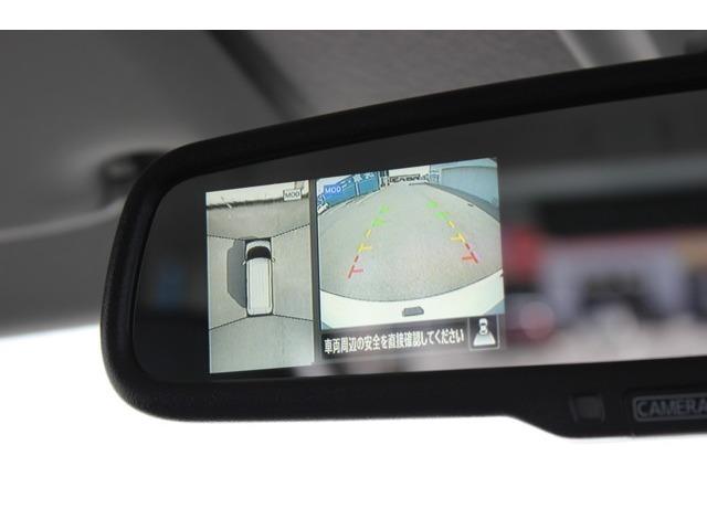 2.バックカメラは純正装備品のアラウンドビューモニターとなります。ナビゲーションにも表示可能!!ガイド線ももちろん表示します♪