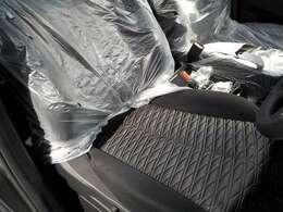 運転席シートはパワーシートなので最適なポジションに設定できます!