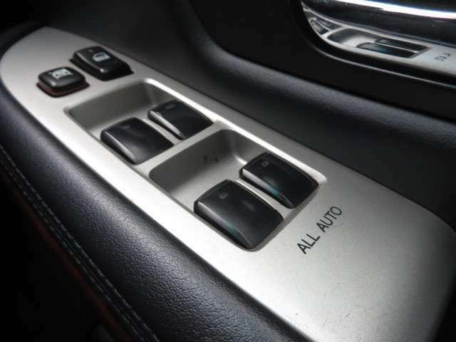 内装がきれいなのでドライブも快適にしていていただけます。