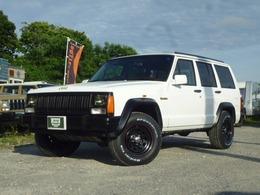 ジープ チェロキー リミテッド 4WD オフホワイトカラー&ブラックグリル
