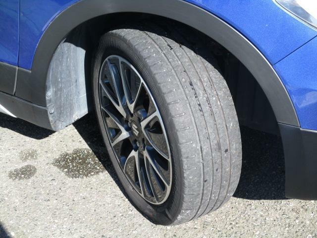 切削加工とブラック塗装を施した純正17インチアルミホイール★【205/50R17】タイヤの溝も、まだまだ!くわしくはスタッフへ。