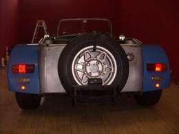 オリジナルアルミホイール付きのスペアタイヤです。