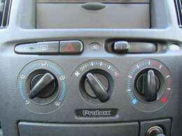 マニュアルエアコン良く冷えます!!