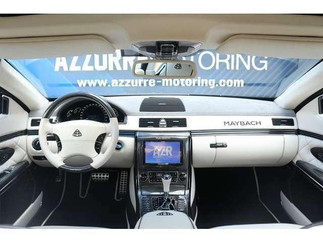 ホワイトレザーシート、電動シート、バックカメラ、HDDナビ、Bluetooth、TV、コーナーセンサー、など装備は充実しております。