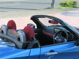 オープンカーは夏に最適!心地の良い風や暖かい太陽を感じながらドライブを楽しむのはいかがでしょうか★