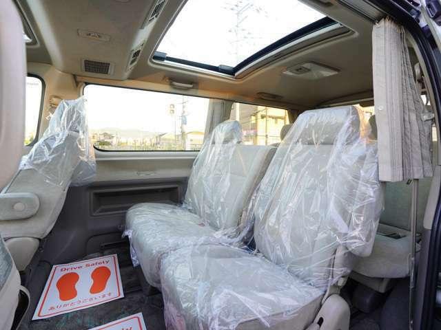 ☆後部座席も余裕の広さで長距離ドライブも快適です♪