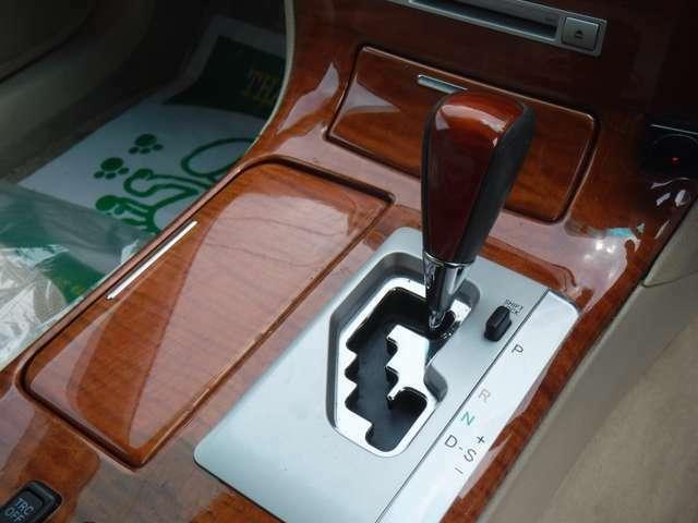 当社では、ドレスUP・カスタム・各種ペイント・社外アルミ&車高調取付・オーディオ取付等のカスタム作業もお受け致しております!その際は是非イーグルスタイルにお任せ下さい。