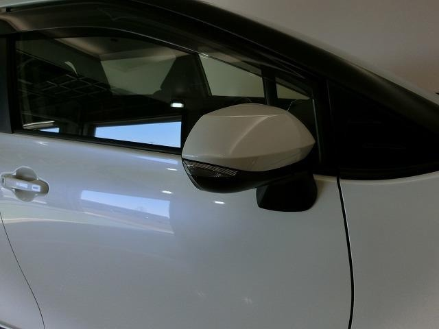 【ウインカーミラー】ウインカー付ドアミラー!ただ単純に他のお車に対しての安全性だけではなく、高級感を演出します!!