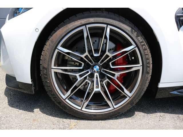 オプション:19インチMライト・アロイ・ホイール・ダブルスポーク・スタイリング825M(鍛造)バイ・カラー(ブラック)