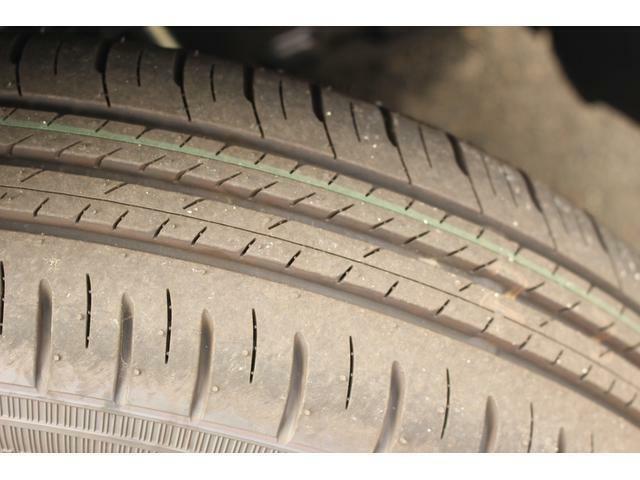 届出済未使用車ですのでタイヤの溝も十分あります!