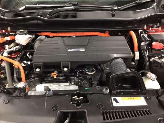 3.0LITER並の加速と革新の燃費性能を実現したハイブリッドシステムです。