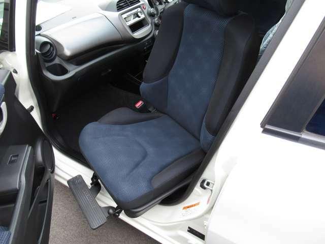 『FIT Gスマートセレクション 助手席回転シート車』が入荷しました。