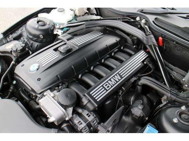搭載するエンジンは、N52B25A/直列6気筒DOHC総排気量 2496ccを搭載☆10モード/10・15モード燃費 11.4km/リットル