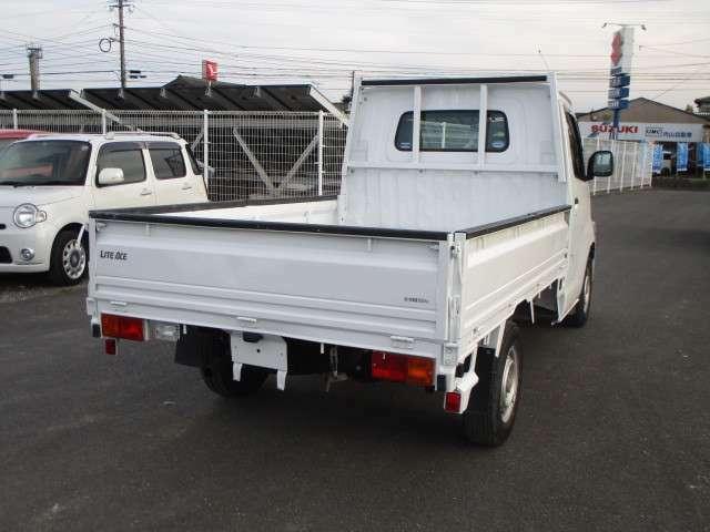 商用車・各種作業車・大型トラック・ダンプ・ユニックお任せ下さい!専門スタッフが全力でサポートします。
