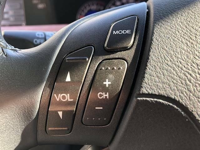 機能性・操作性に優れた「ステアリングスイッチ」を装備。