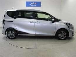 思わずみんなで出かけたくなるデザインと、広く使いやすい車内空間を両立しています。