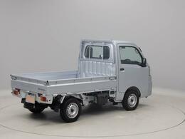 2人乗りの軽トラック「ハイゼットトラック」です。