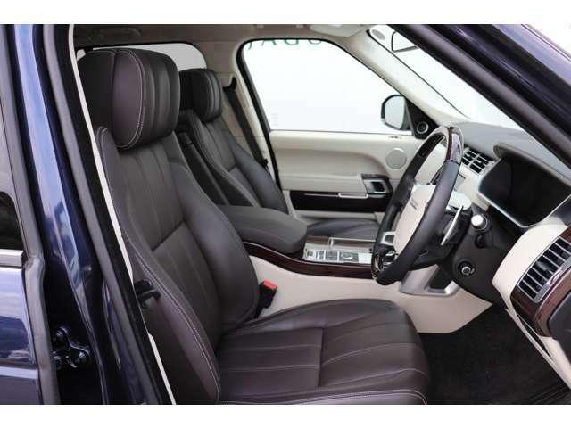 コントラストステッチを施したセミアニリンレザーの運転席と助手席18ウェイ電動著説機能付。☆フロント・マッサージ機能装備。