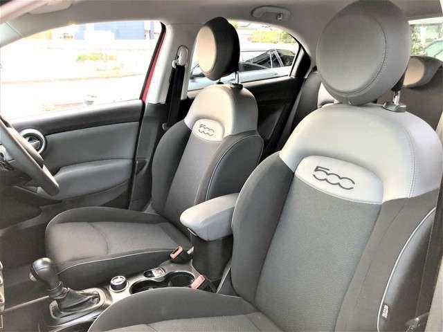 助手席にももちろん運転席と同じシートを採用。体を預けているときの安心感は非常に高いです。