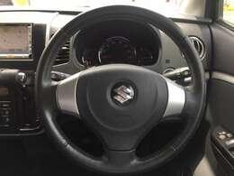 体格に合わせてシートやステアリングの位置をきめ細かく調整できます!快適な運転姿勢をいつでもキープ!