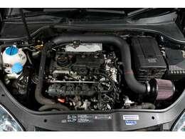 2リッター直列4気筒DOHC16バルブICターボエンジンは『NEUSPEED JSP-Chip』ECUチューンを筆頭に、『NEUSPEEDパワープーリー』や吸排気チューンも施しノーマルより格段にパワーアップ!