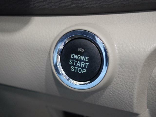 お買得車アイシスまたまた入荷しました・プッシュスタート・スマートキー・パワースライドドア・詳細はHP(http://auto-panther.com/)さい!