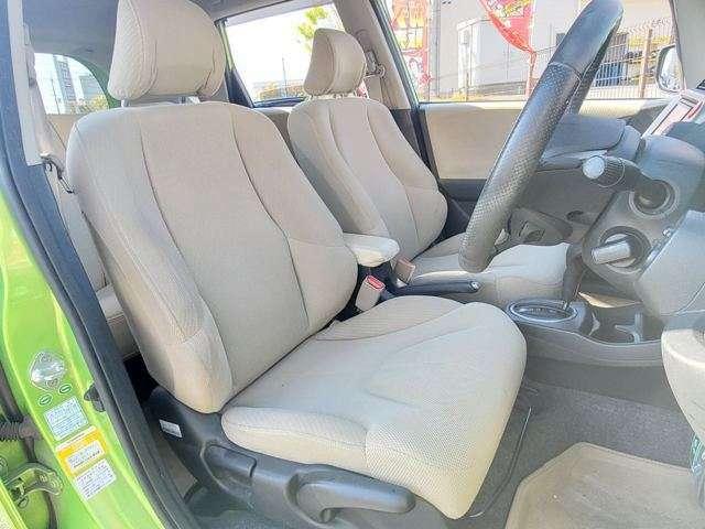 前側シートです♪比較的キレイかと思います♪内装状態の確認など、お気軽にお問合せ下さい♪