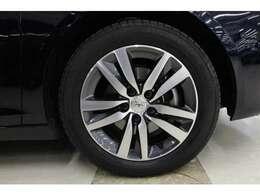 タイヤサイズは全て205/55R16となっており、ローテーションも可能です。