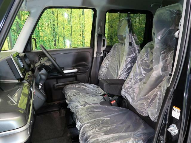 抗菌・消臭・防汚に最適!!【ルームコーティング】の施工もオススメです。光触媒で紫外線を受けることによって車内をクリーンに保つことができます。
