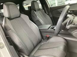 フロントシートもきれいな状態です!是非一度は腰をかけてご覧ください!