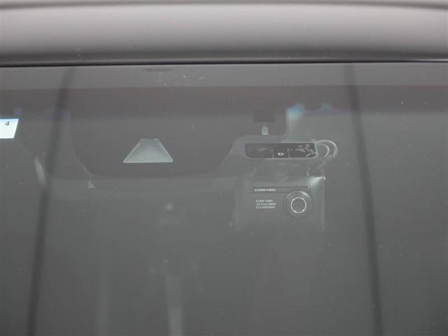 【トヨタセーフティーセンスP】ミリ波レーダーと単眼カメラを使用した検知センサーと統合的な制御により、事故の回避や衝突被害の軽減を支援します。